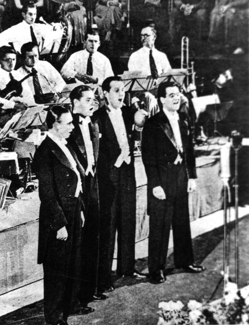 """Am 19. Januar 1935 mit dem """"Emde-Orchester"""" in Dessau, v.l.n.r.: Zeno Costa, Rudi Schuricke, Fritz Angermann und Paul von Nyiri"""