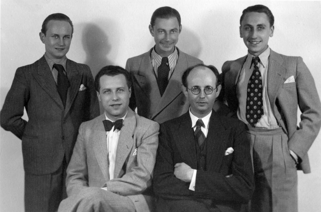 Die Metropol-Vokalisten mit v.l.n.r.: Wilfried Sommer (1. Tenor), Richard Westemeyer (Bass), Peter Purand (Bariton), Kurt Bangert (Piano), Günter Leider (2. Tenor)